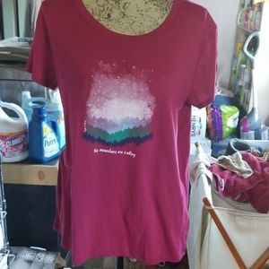 BNWOT  Life is good shirt